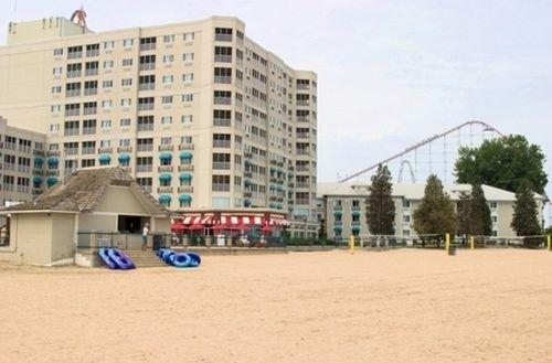 фото Hotel Breakers 414095373
