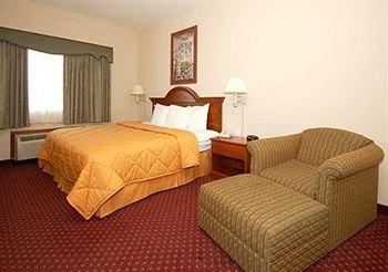 фото La Quinta Inn & Suites Oklahoma City - Midwest City 414117978