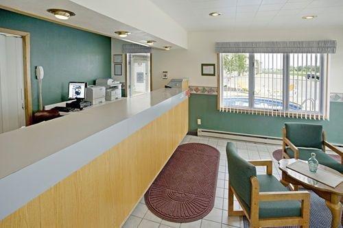 фото Sunset Inn & Suites 414220133
