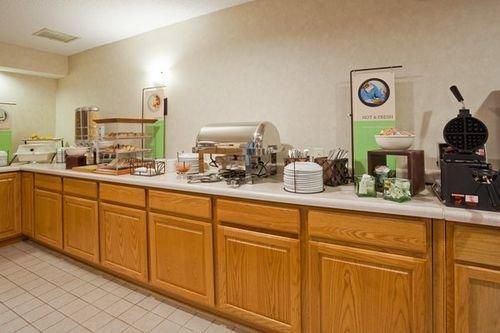 фото Country Inn & Suites Chippewa Falls 414227410