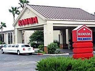 фото RAMADA LIMITED AIRPORT HOTEL 414269172