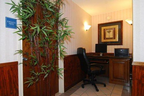 фото Best Western Lindale Inn 414284490