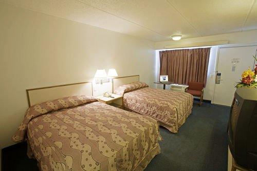 фото Americas Best Value Inn & Suites 414379691