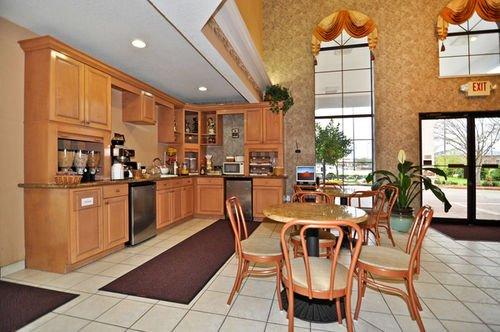 фото Best Western Pearland Inn 414414640