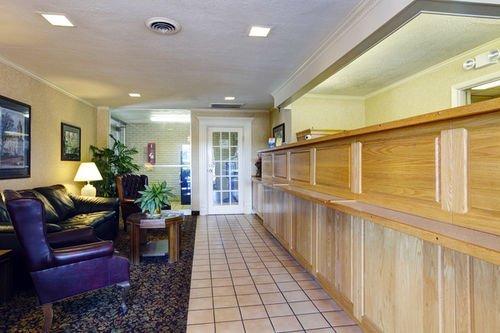 фото Americas Best Value Inn 414469100