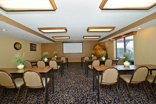фото Best Western Plus Sidney Lodge 414562618