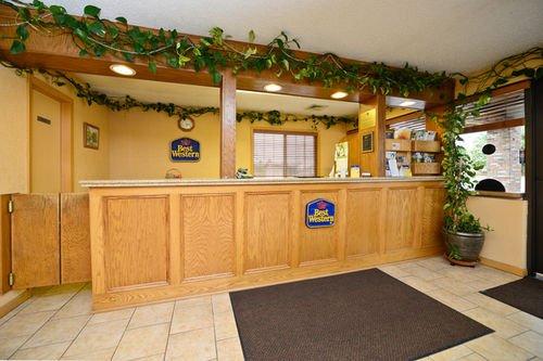 фото Best Western Village Inn 414672775
