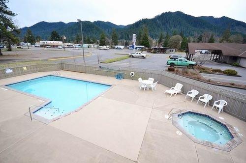 фото Best Western Oakridge Inn 414677304