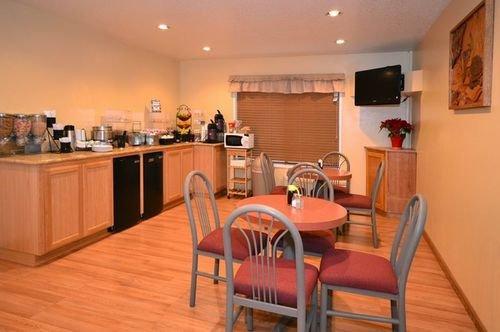 фото Best Western Oakridge Inn 414677309