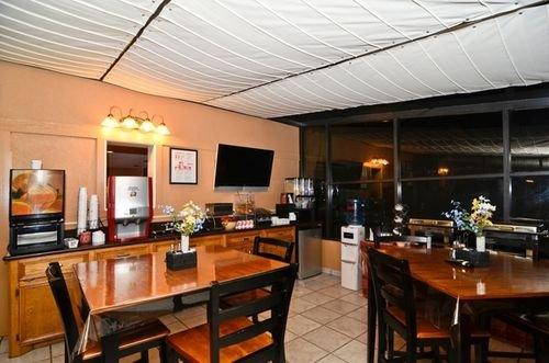 фото Best Western Inn by the Lake 414679050