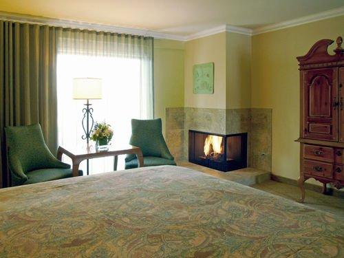 фото Best Western PLUS Carmel Bay View Inn 414685227