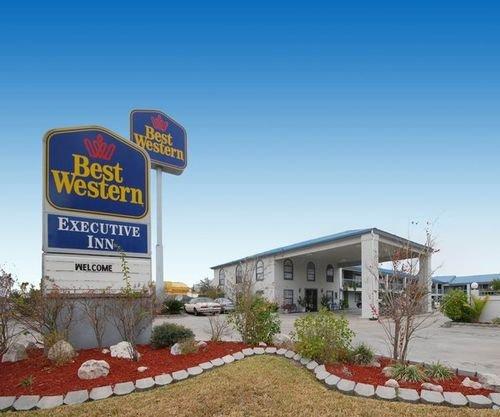 фото Best Western George West Executive Inn 414689261