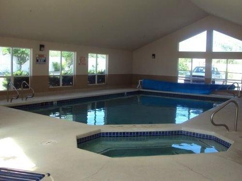 фото Economy Inn & Suites 414714595