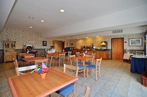 фото Best Western PLUS Bronco Inn 414720694