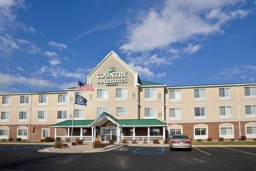 фото Country Inn Stes Big Rapids 414728805