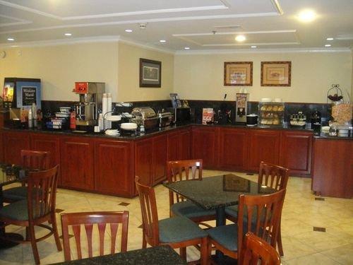 фото Best Western Pineywoods Inn 414747029