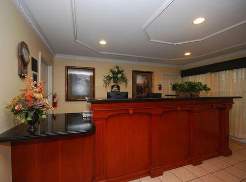 фото Best Western Pineywoods Inn 414747032
