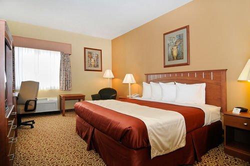 фото Best Western Denton Inn 414785470