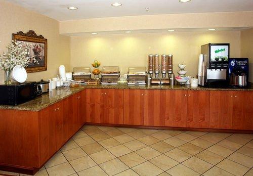 фото Best Western Executive Inn 414840933