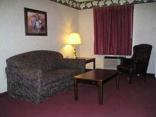 фото Regency Inn & Suites - Millington 414851591