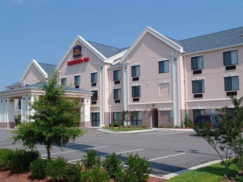 фото Best Western Smithfield Inn 414853946