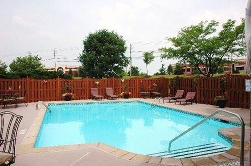 фото Ashley Quarters Hotel 414863868