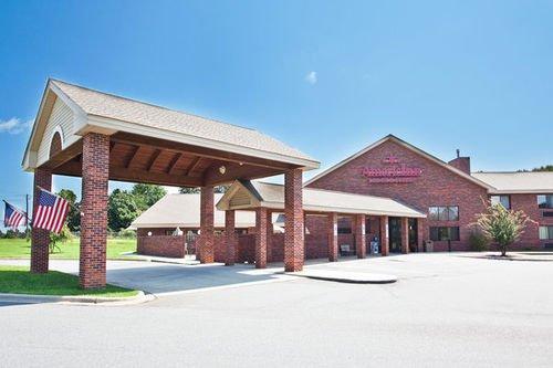 фото Americinn Boiling Springs 414892032