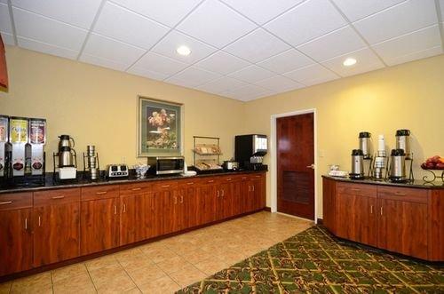 фото Best Western Inn Lawrenceburg 414895759
