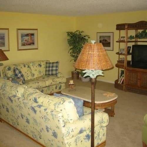 фото Kings Crown Condominiums 414903006