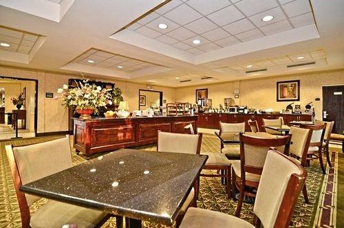 фото Best Western Riverview Inn & Suites 414948127
