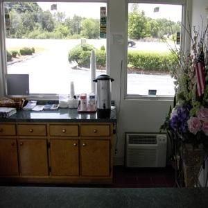 фото Albany 8 Inn 414951782