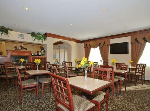 фото Best Western South Plains Inn & Suites 415016551
