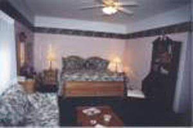 фото LONG HOUSE MANOR B AND B 415021763