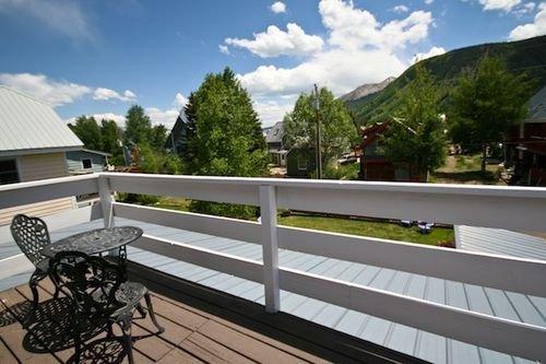 фото PURPLE MOUNTAIN BED 415063947