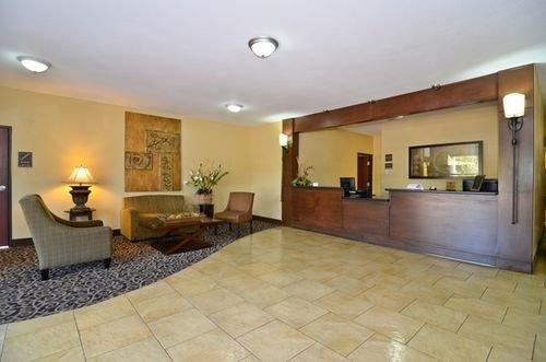 фото Best Western Oakdale Inn 415078348