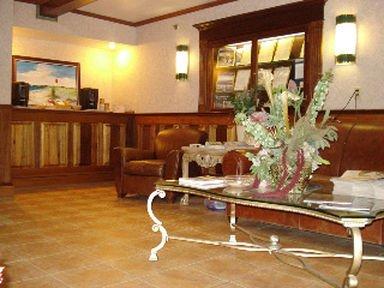фото VILLAGE INN HOTEL AND CONF CTR 415186474