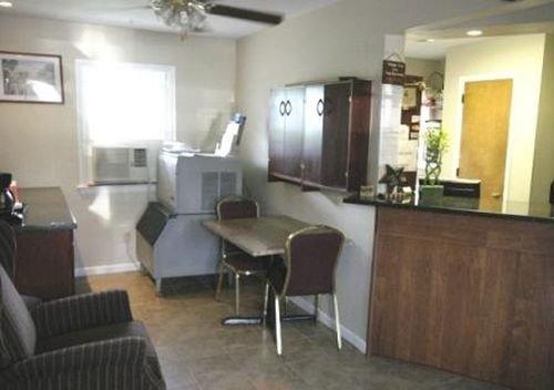 фото Budget Host Inn Pottstown 415190326
