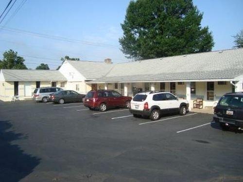 фото Budget Host Inn Pottstown 415190327
