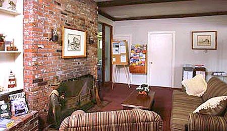 фото Governor Prence Inn 415300029