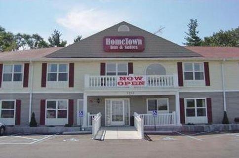 фото Hometown Inn & Suites 415389940