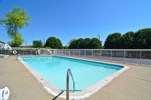 фото Americas Best Value Inn Hermitage 415390091
