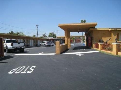 фото Harbor Inn & Suites La Habra 415421063