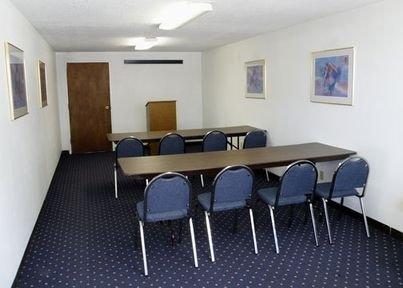 фото Rodeway Inn Hardin 415451824