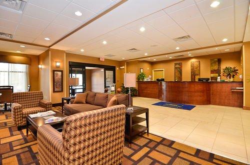 фото Best Western St. Francisville Hotel 415461698