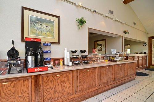 фото Americas Best Value Inn West Columbia 415595459