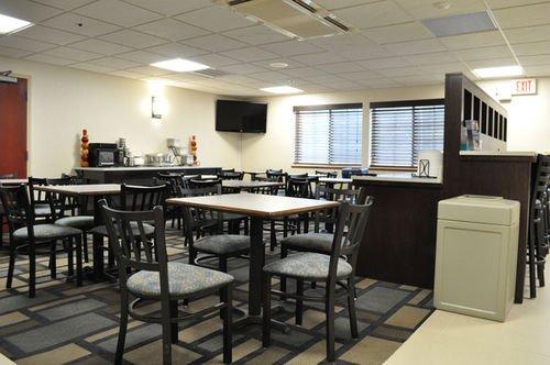фото Best Western Plus Berkshire Hills Inn & Suites 415619220