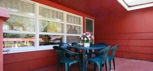 фото Sanford Inn 415692487
