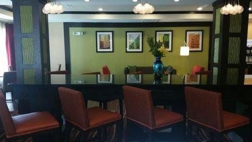 фото Holiday Inn Exp Stes Baytown 415790498