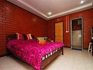 фото Q-Thong Kohlarn Hotel 449997334