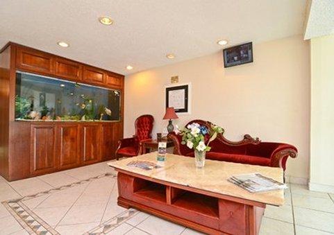фото Quality Inn & Suites Near Ft. Belvoir 487546796
